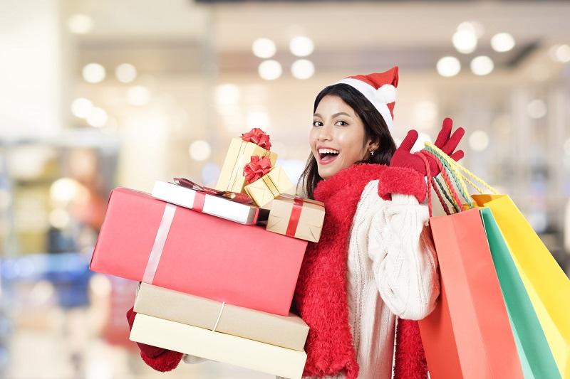christmas shopping resize